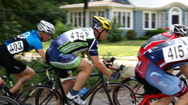 "Feeling the ""flow"" of a road race is hugely exciting (Susan Marean photo)"