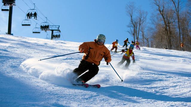 Opener-skiers-in-sun